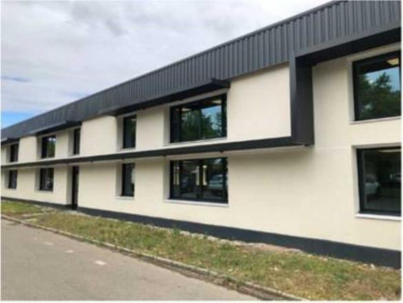 A LOUER - 2253.0 m²