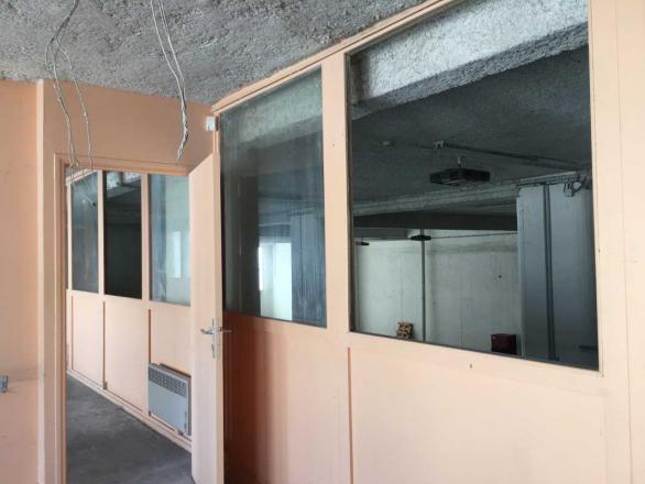 A LOUER - 2827.0 m²