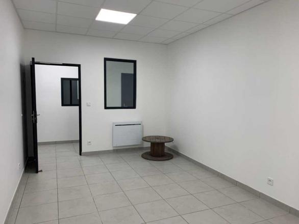 A LOUER - 64.0 m²