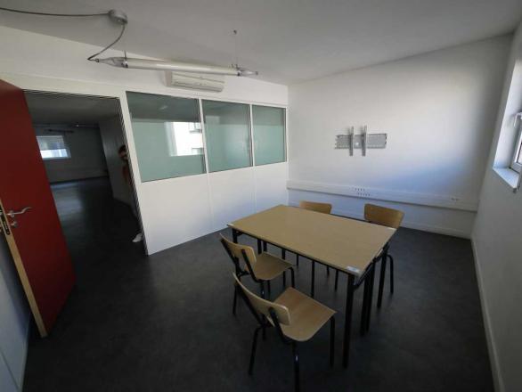 A LOUER - 122.9 m²