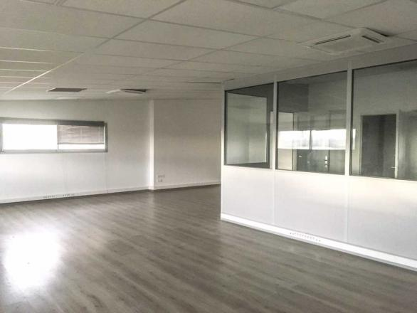 A LOUER - 407.0 m²
