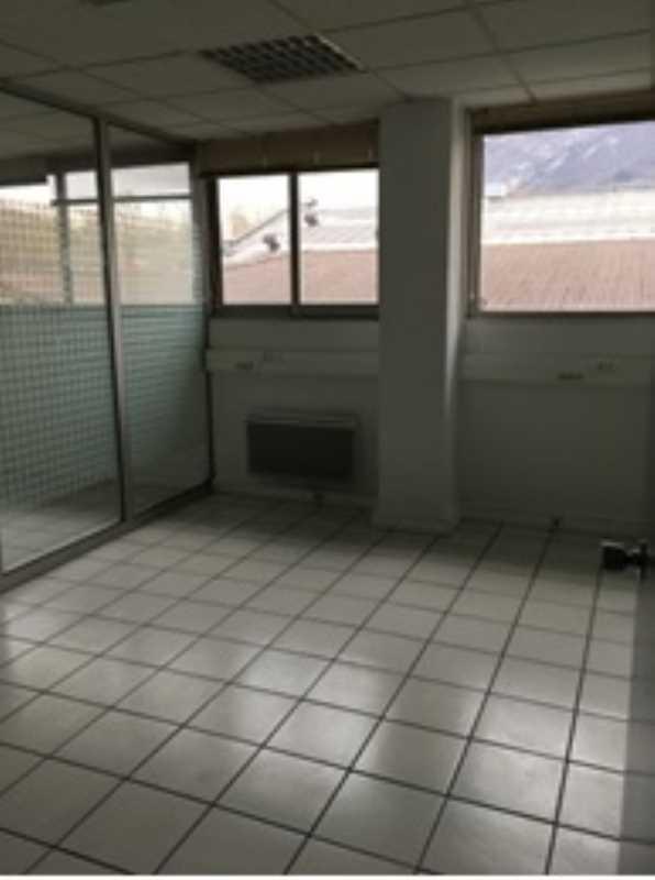 A LOUER - 87.0 m²