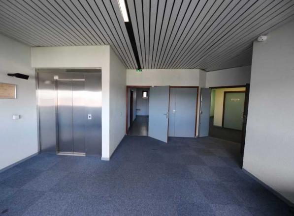 A LOUER - 285.0 m²