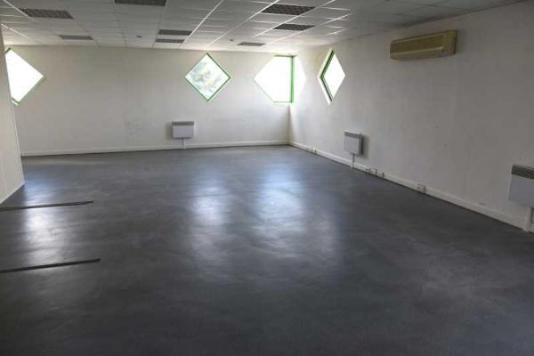 A LOUER - 3596.0 m²
