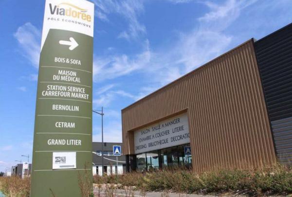 LUX ME, cabinet d'épilation définitive s'installe à Anse, sur le Parc Viadorée !